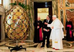 Papež obdivuje dar
