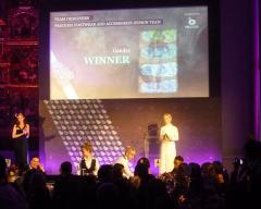Anúncio do vencedor da categoria Preciosa Footwear & Accessories Design Team
